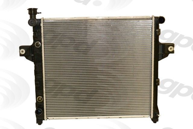 2000 Jeep Grand Cherokee Radiator 6 Cyl 4.0L (Global Parts 2262C) Cap On  Driver Side .