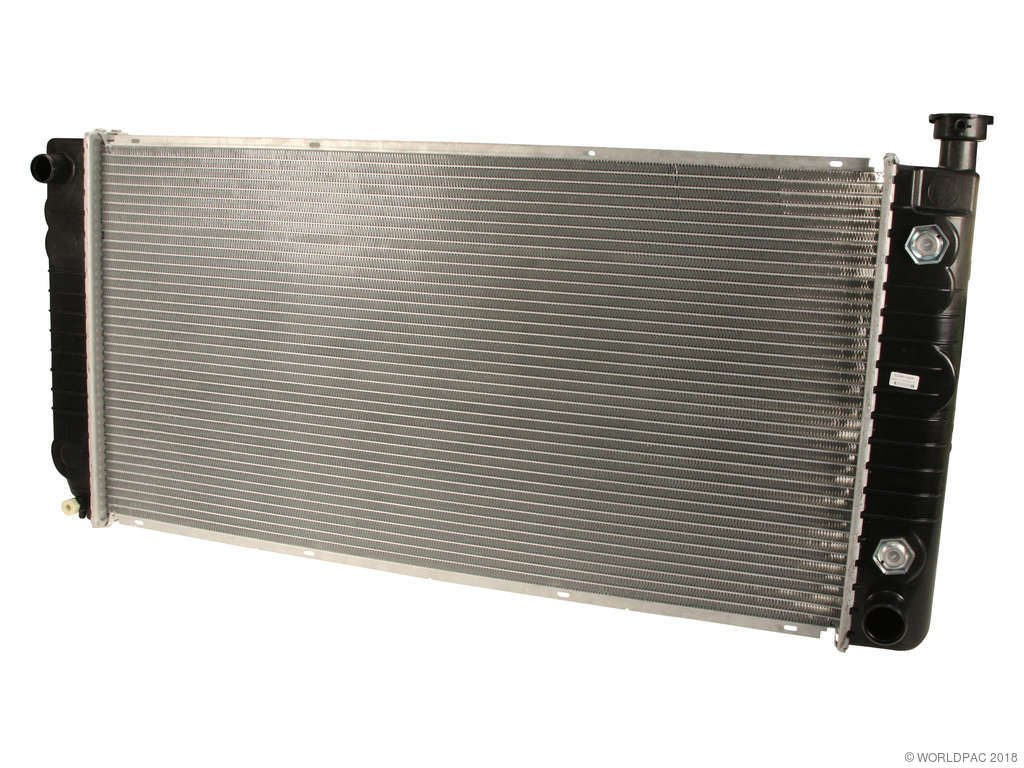 "Radiator for 2002 CHEVY Tahoe 34/"" BETWEEN TANKS-W//O ENGINE OIL COOLER"
